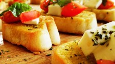 banquetera-banquetes-Curauma-Catering-Cóctel-Salado-Valparaíso-Banqueteria-Bruschetta-Caprese